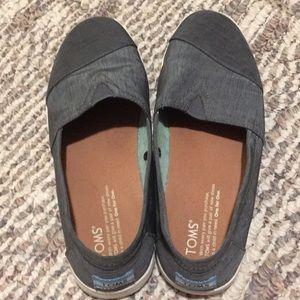 Women's Size 8 Toms Slip Ons